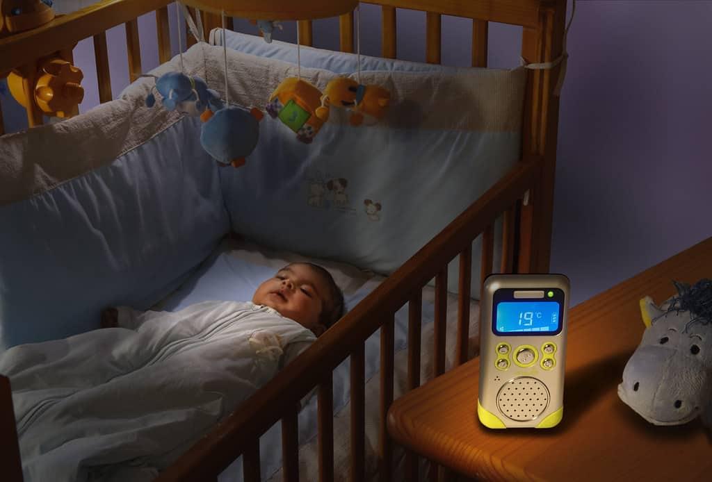 bébé dort babyphone